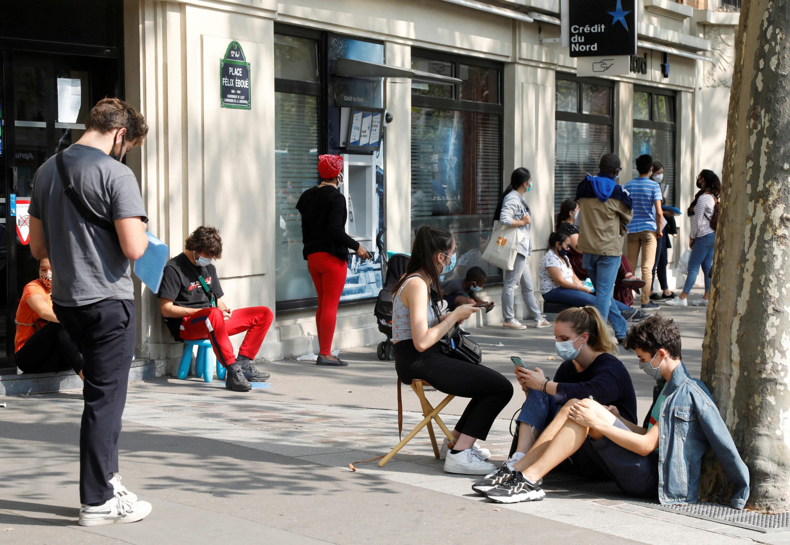 Coronavirus: Avec 13.215 cas supplémentaires, la France établit un nouveau record quotidien