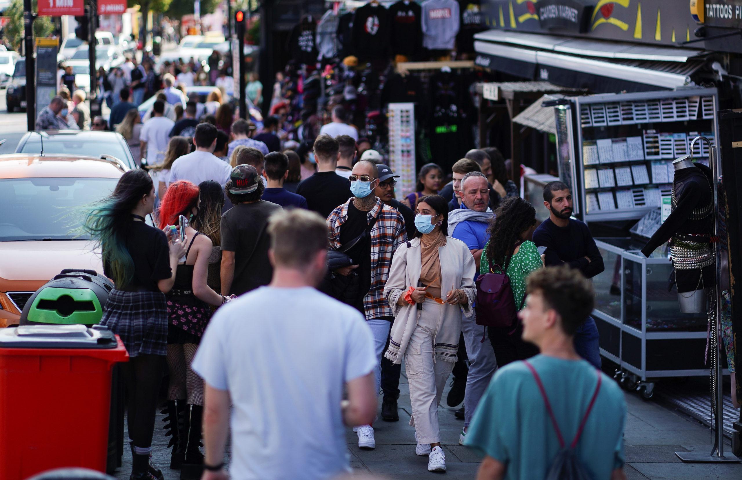 Coronavirus: Hausse des cas au Royaume-Uni menacé d'un nouveau confinement