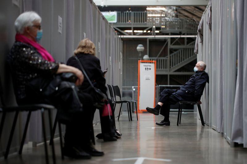 Coronavirus: La France recense 4.347 nouveaux cas, 455 décès supplémentaires