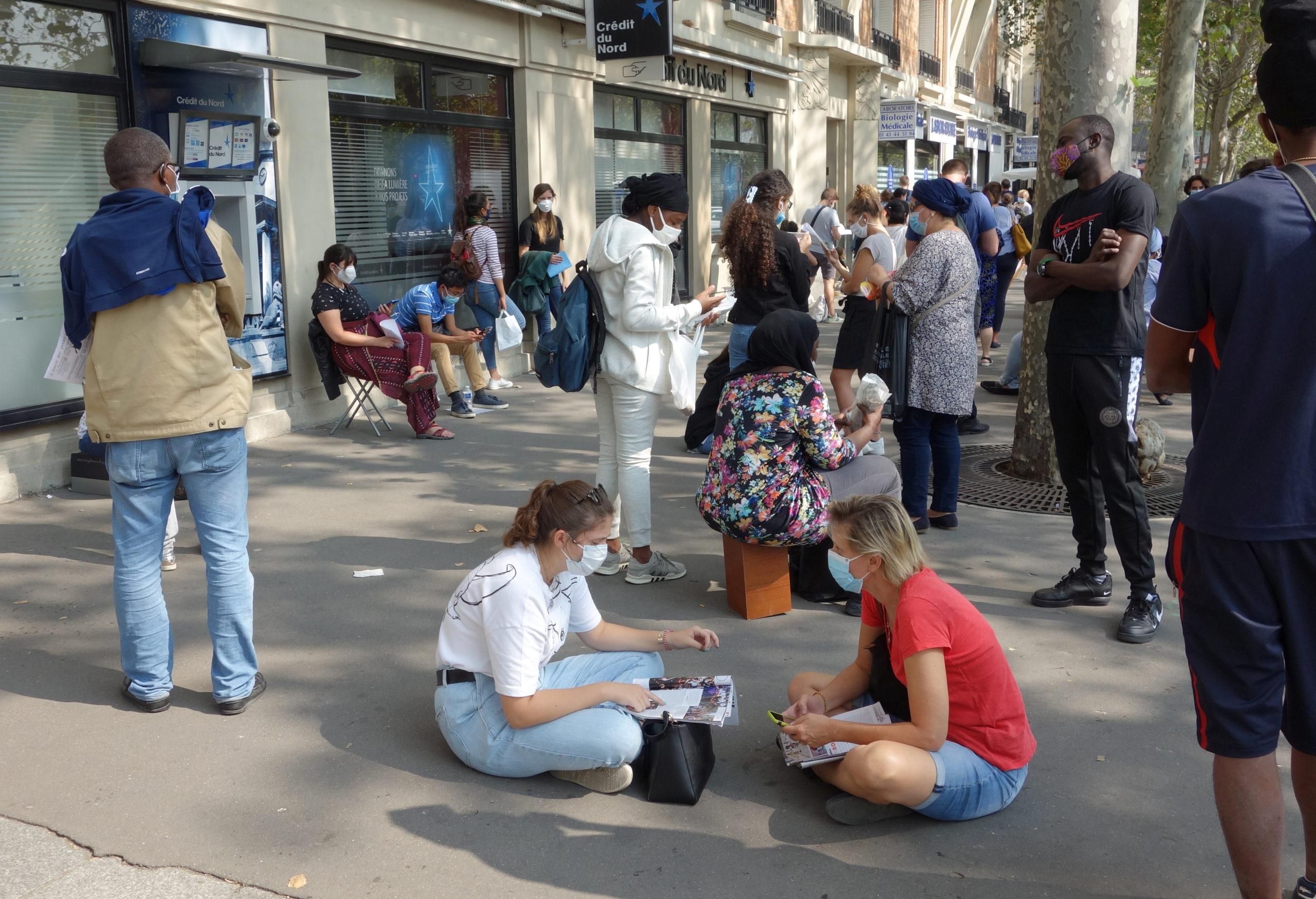 Coronavirus: Le nombre de nouveaux cas retombe à 7.183 après le record de samedi en France
