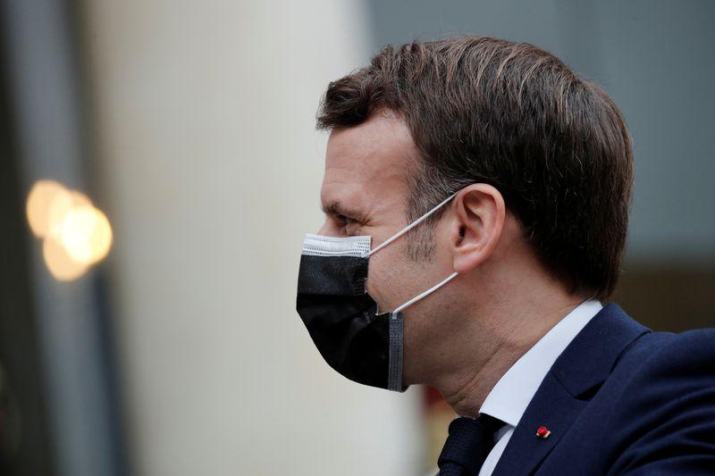 Coronavirus: Macron promet un vaccin pour chaque adulte d'ici la fin de l'été