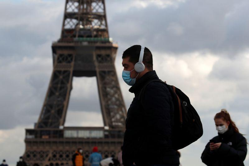 Coronavirus: Plus de 23.000 nouveaux cas et 649 nouveaux décès en France