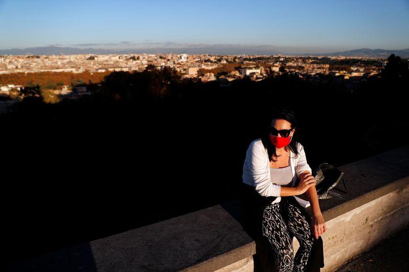 Coronavirus: Plus de 28.000 nouveaux cas en 24 heures en Italie