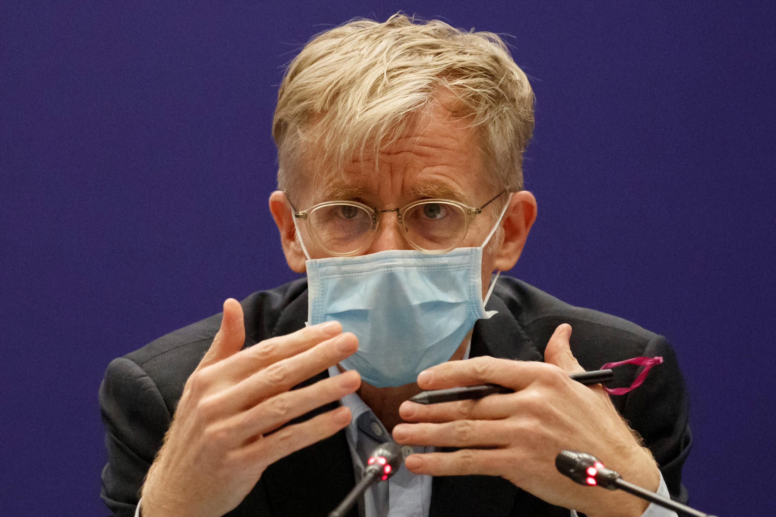 Covid-19: L'OMS évoque une vaccination des personnes fragiles en mars