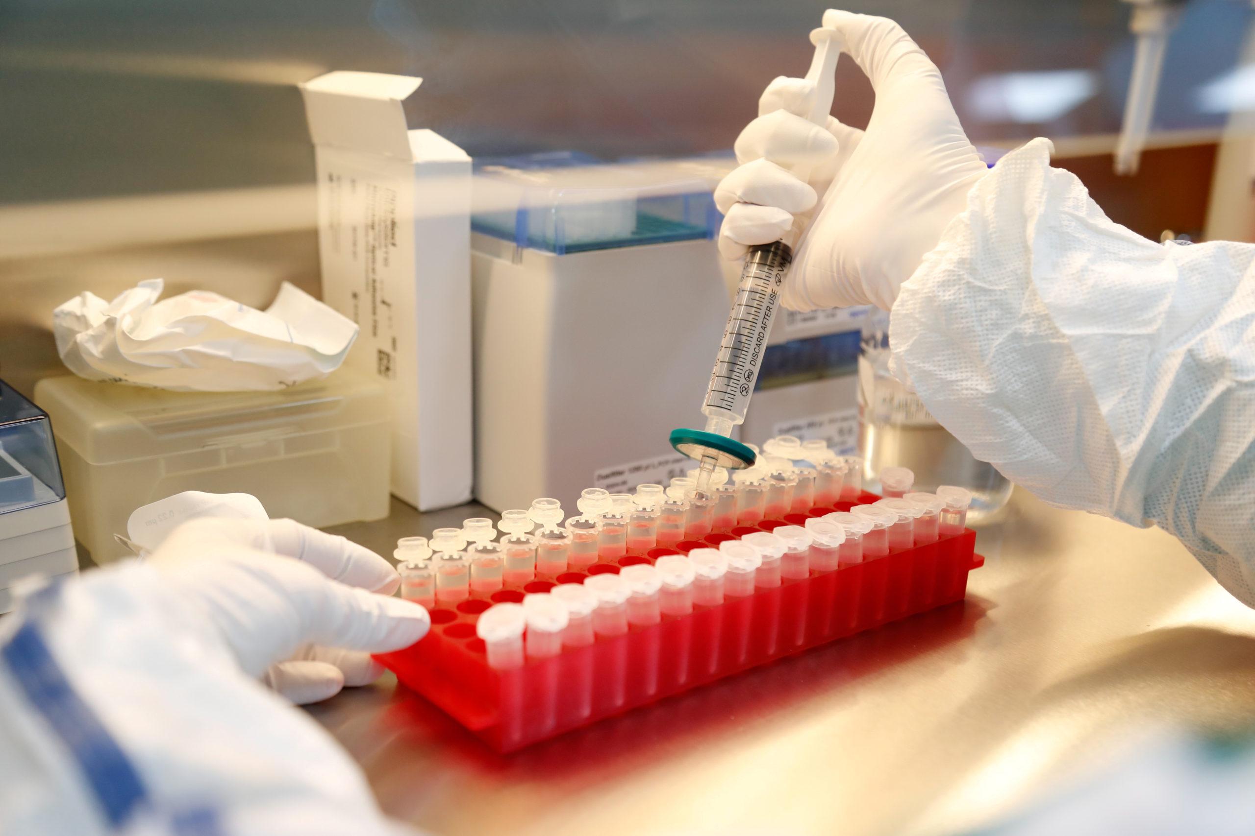 Covid-19: Les vaccins pourraient être exemptés de notice en 24 langues