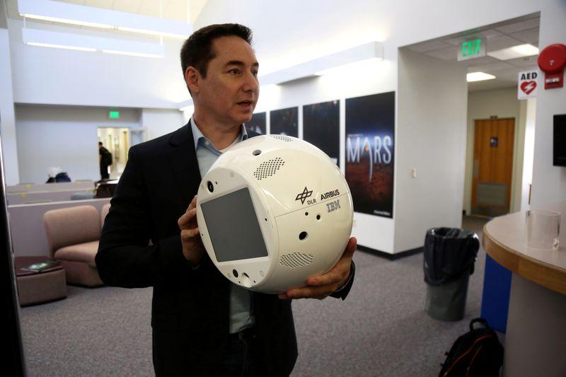 Création d'un robot intelligent, le droïde Cimon 2