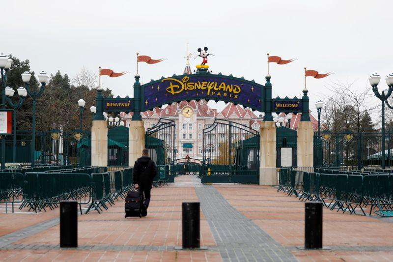 Disneyland fermé, la magie de Mickey n'opère plus à Marne-la-Vallée