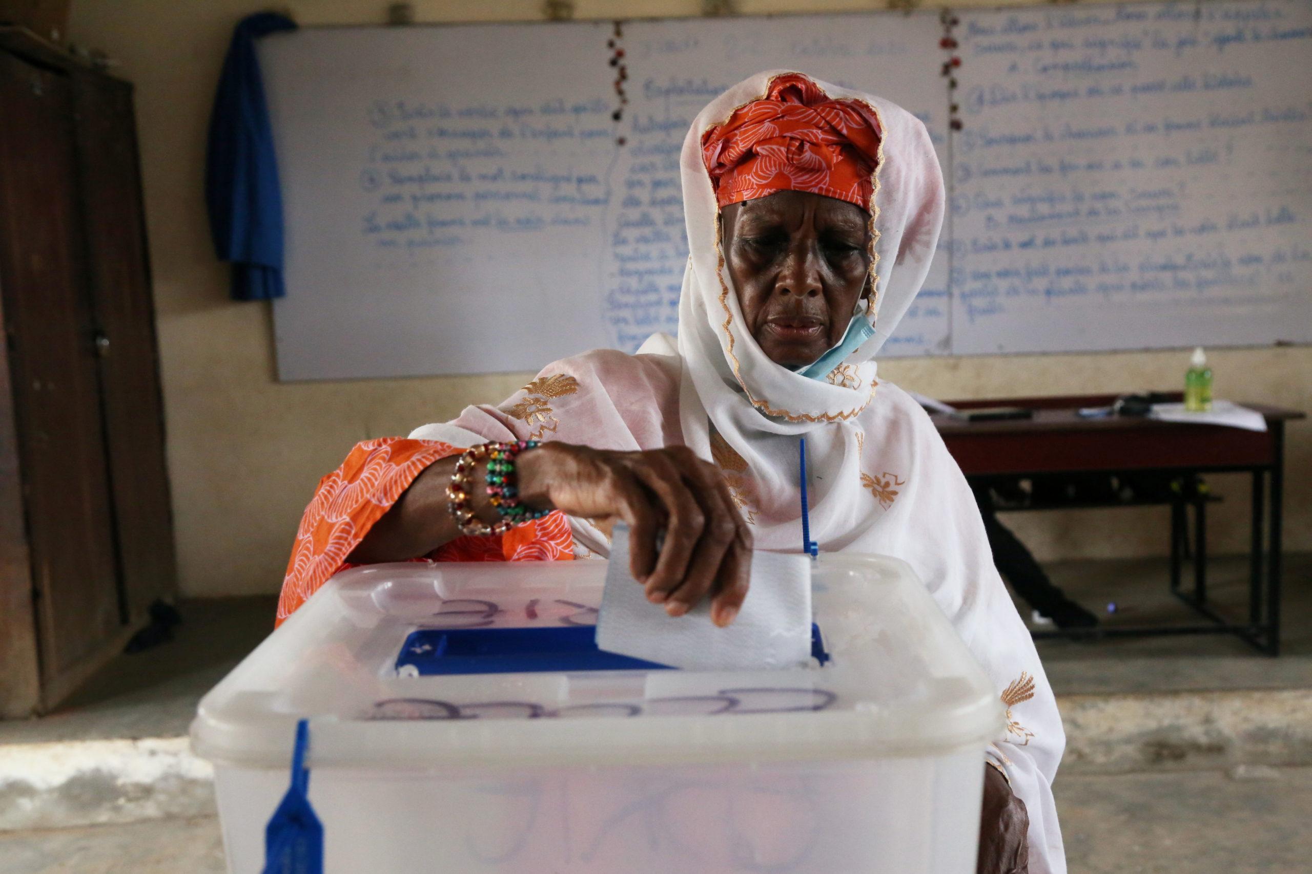 Les Ivoiriens aux urnes dans un contexte de fortes tensions