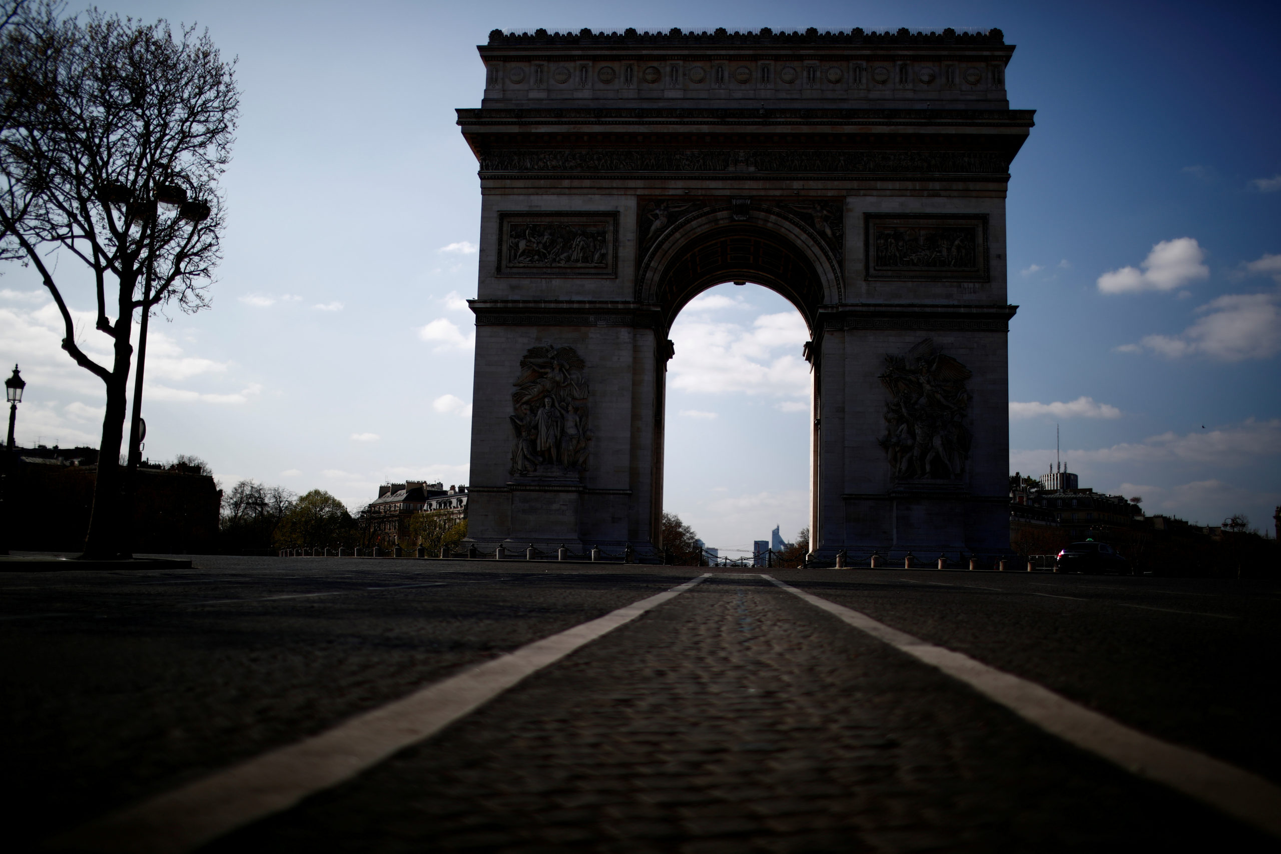 France: Alerte à la bombe dans le quartier de l'Arc de Triomphe