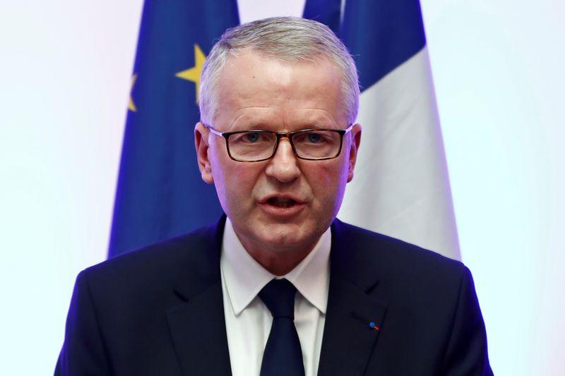 France: Enquête pour viol sur mineur ouverte contre Olivier Duhamel