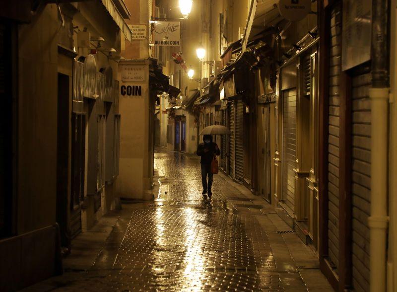France: Il faut réfléchir à un confinement limité aux plus fragiles