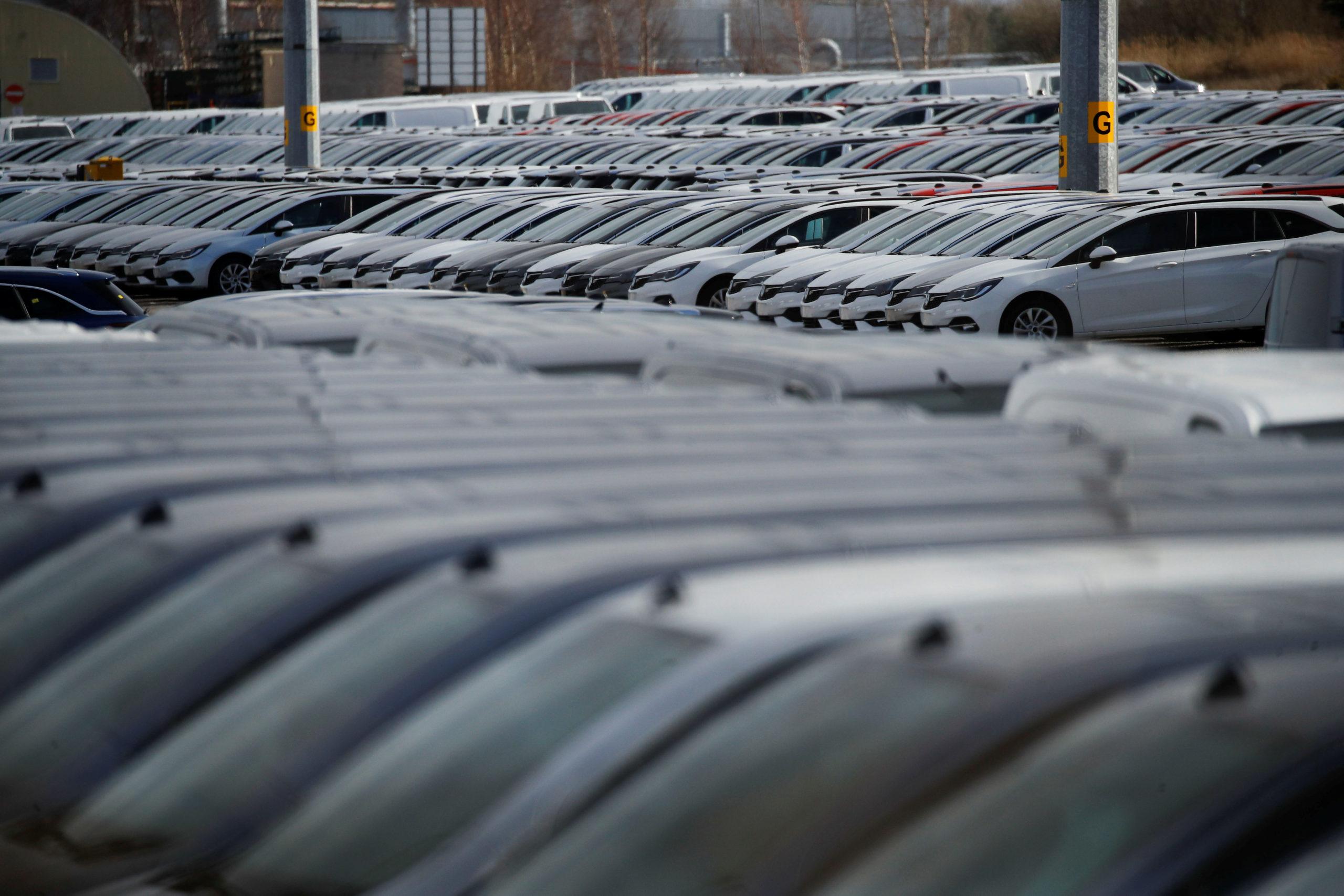 France: Immatriculations de voitures neuves en baisse de 20,95% en février, dit le CCFA