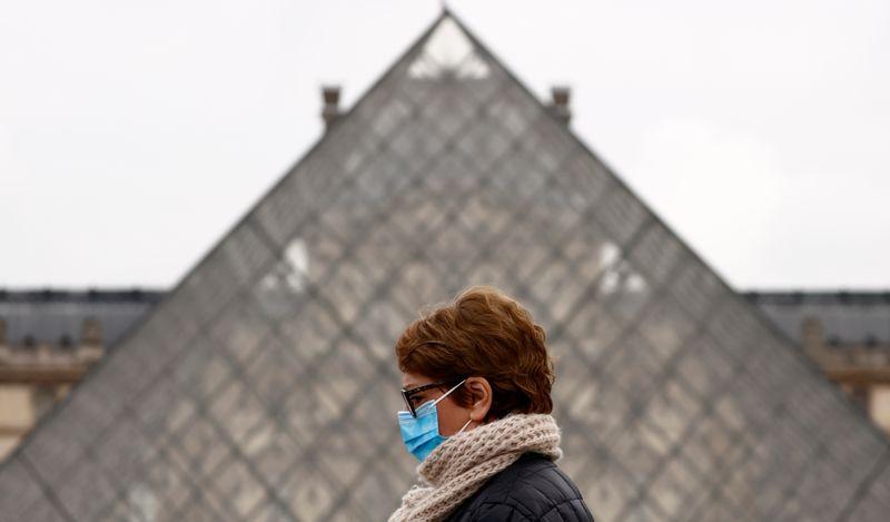 France: Le couvre-feu avancé à 18h dans huit départements dès dimanche