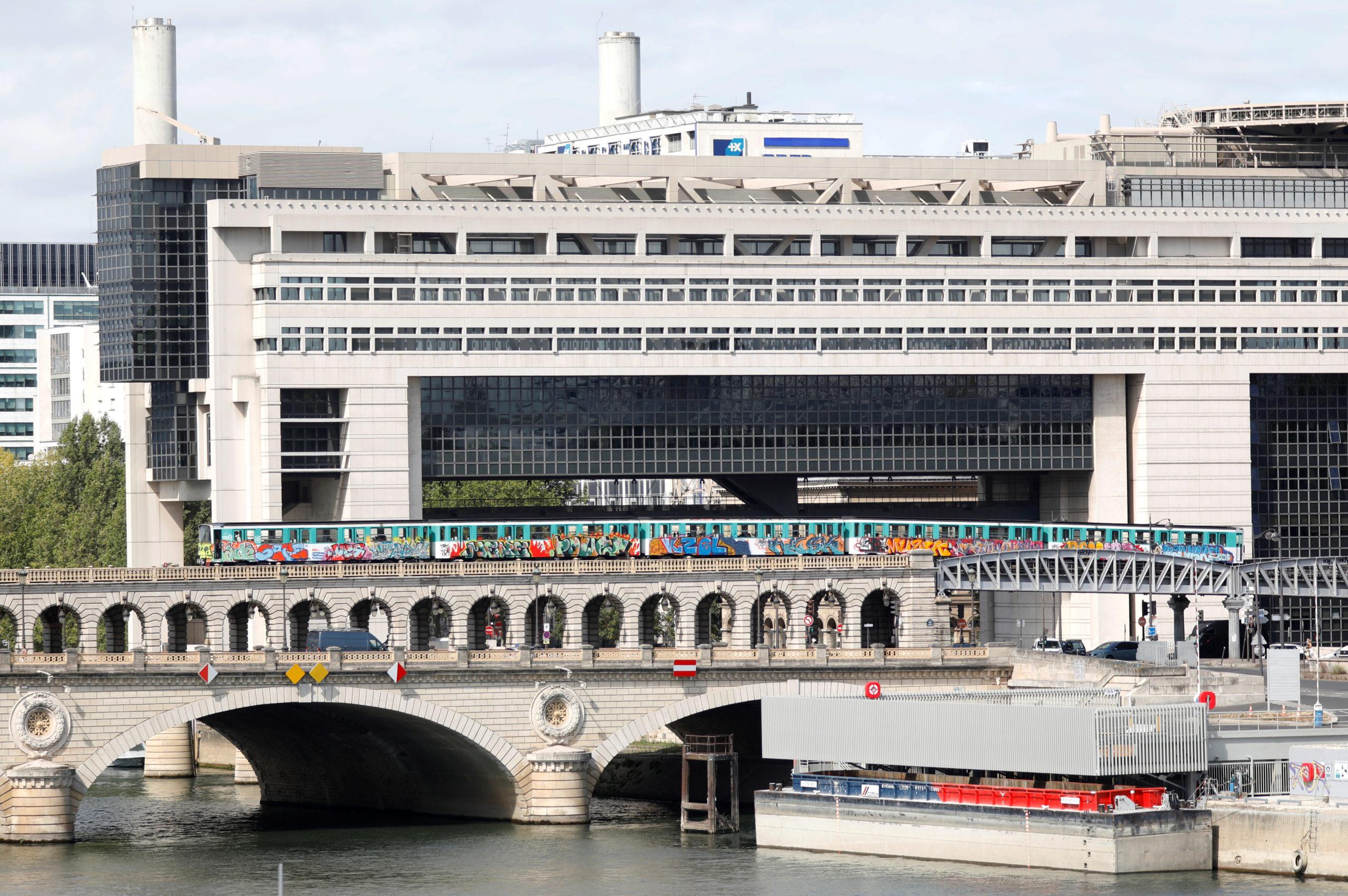 France: Le gouvernement veut supprimer pour 150 millions d'euros de petites taxes, selon Les Echos