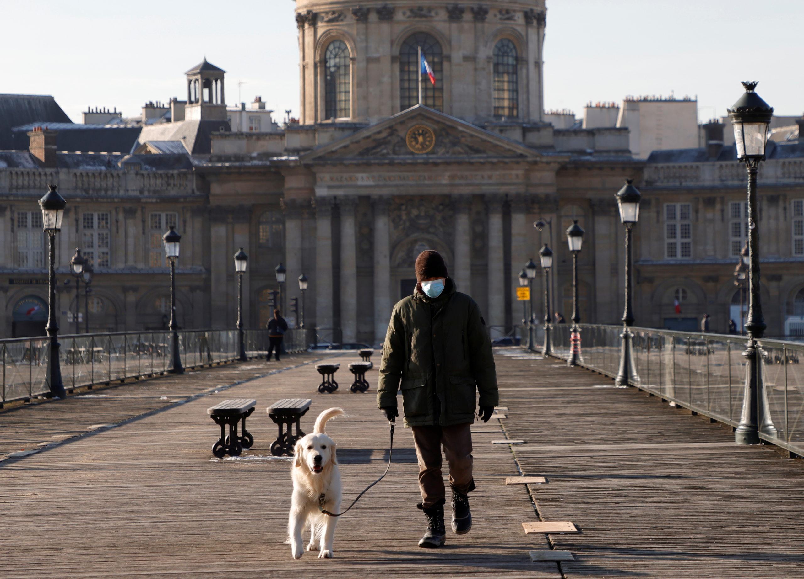 """France: Le variant """"britannique"""" du coronavirus représente 1 infection sur 4, déclare Véran"""