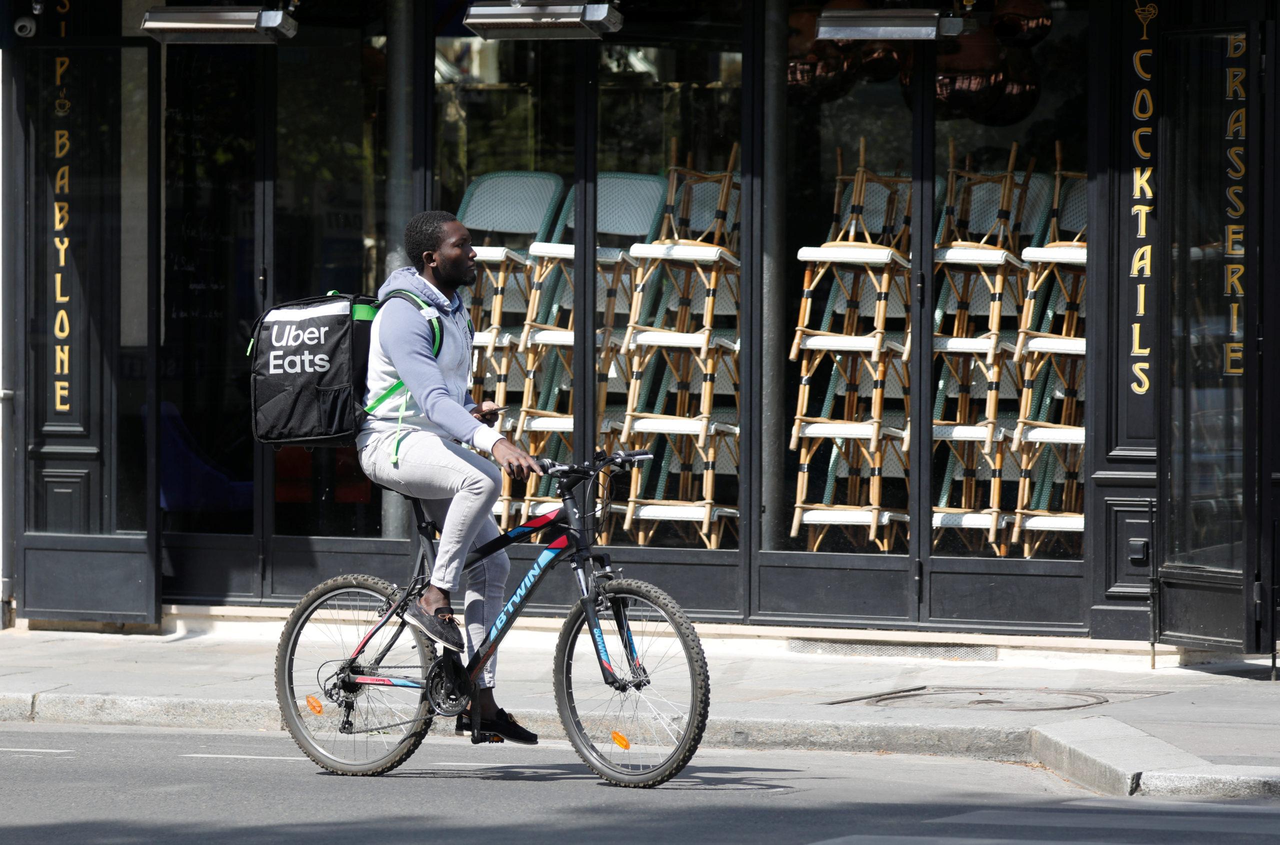 France: Les livreurs de repas gonflent les créations d'entreprises, selon une étude