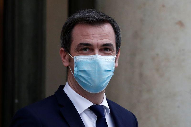"""France: """"Nous ne naviguons pas à vue"""", assure Véran sur la vaccination"""