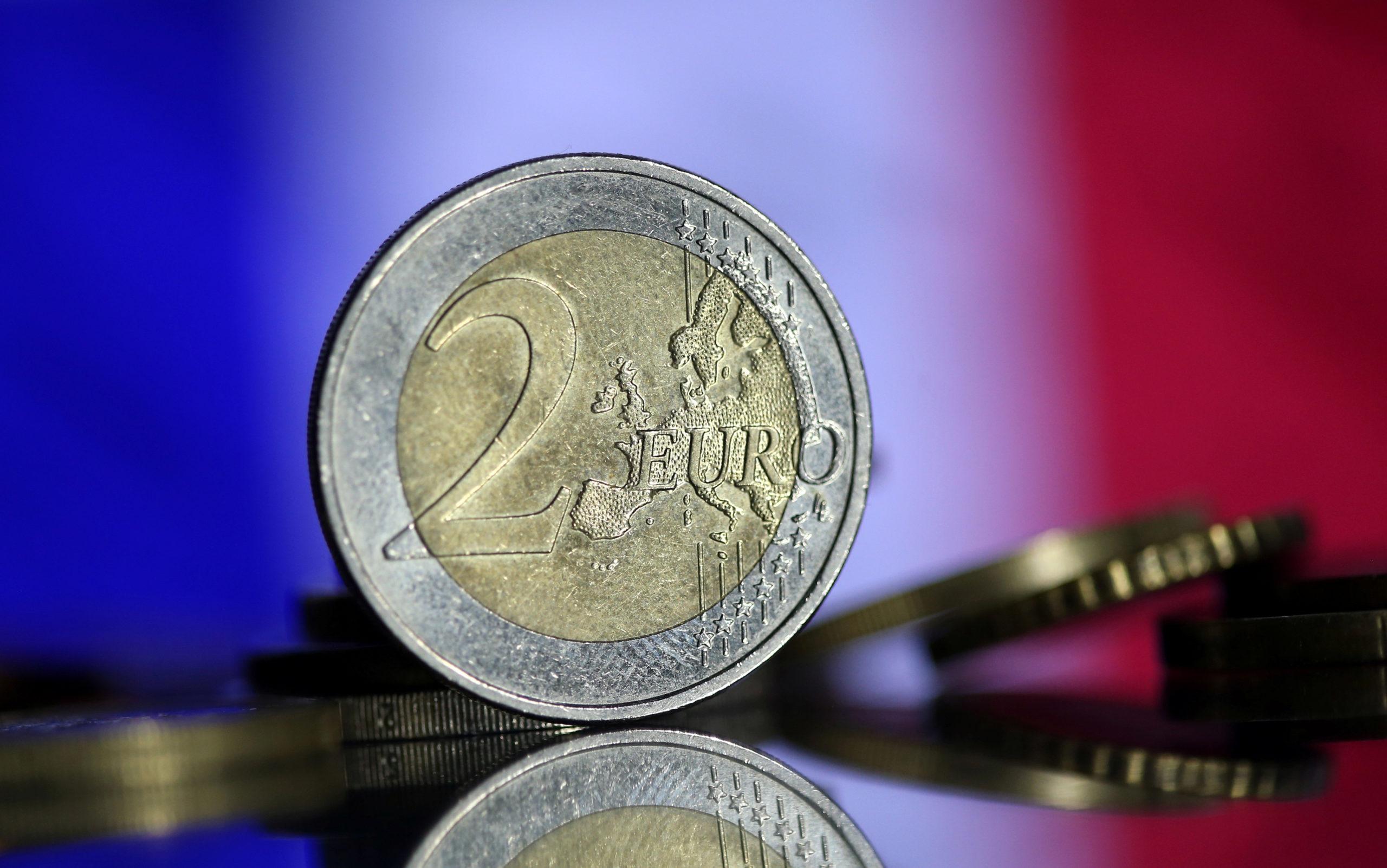 """France/Coronavirus: 20 milliards d'euros pour """"accompagner"""" le reconfinement, dit Castex"""