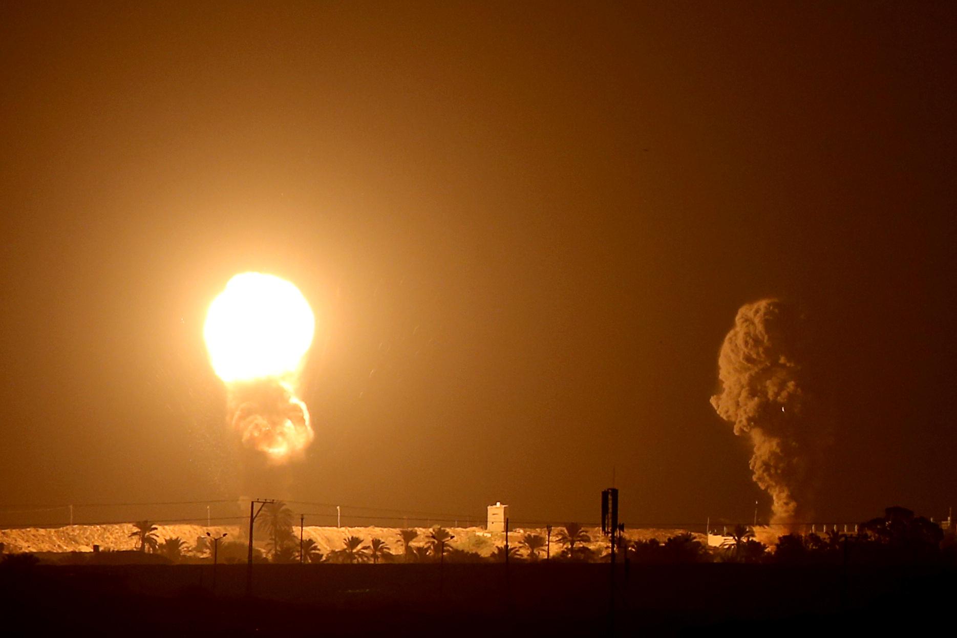 Frappes israéliennes à Gaza en réponse à des tirs de roquettes