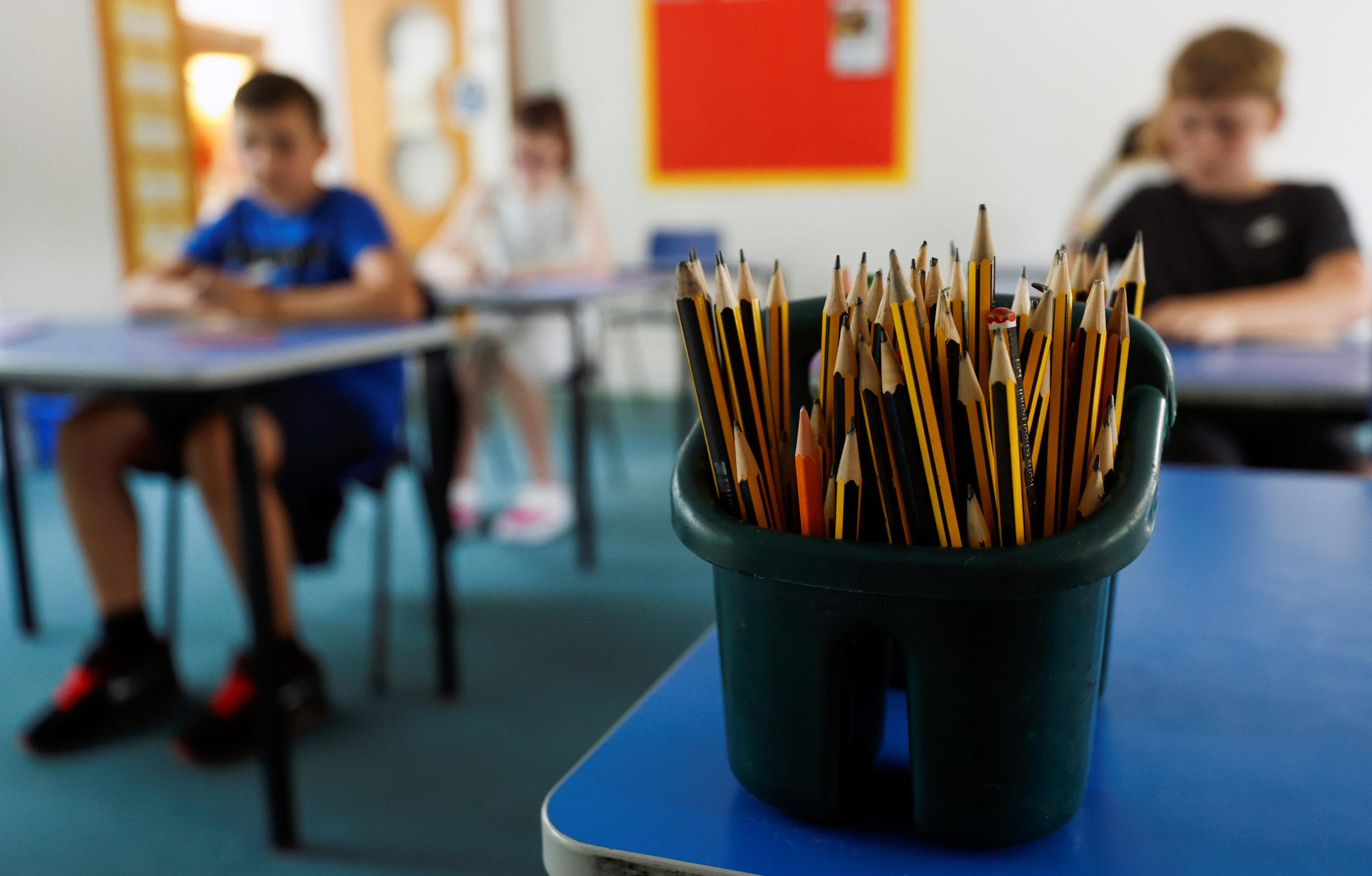 Grande-Bretagne: Les écoles, fermées à cause du coronavirus, rouvrent leurs portes