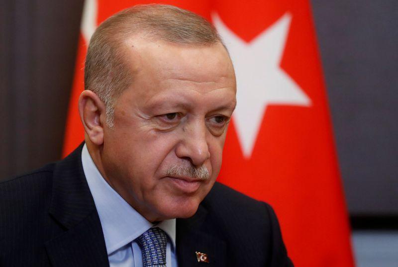 Guerre des nerfs entre Erdogan et Macron sur l'Otan