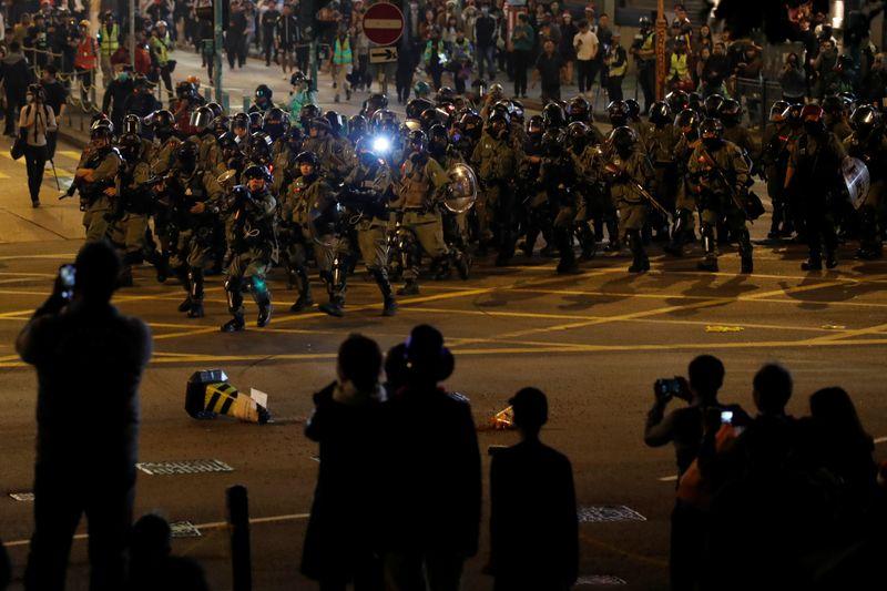 Hong Kong: Pas de trêve de Noël pour les contestataires