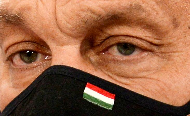 Hongrie: L'UE conditionne les fonds du plan de relance à la réforme des marchés publics