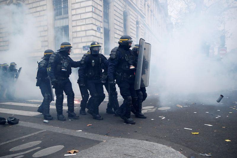 Incidents à Paris durant la manifestation contre la réforme des retraites