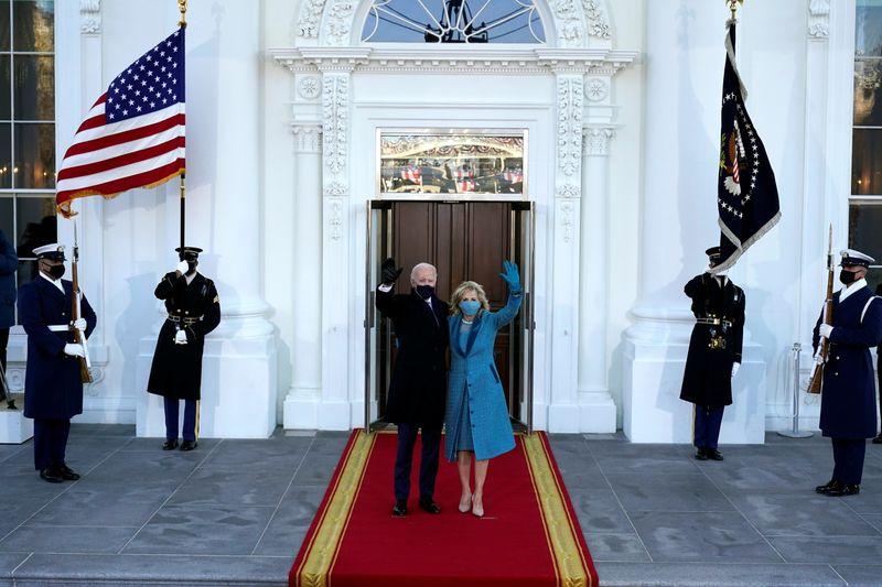 Investi président des Etats-Unis, Biden appelle au rassemblement