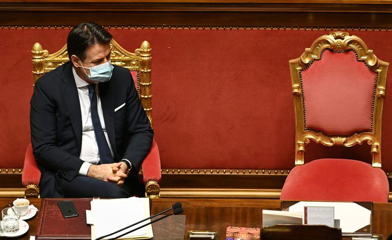 Italie: Conte demande le soutien du Sénat pour sauver sa coalition