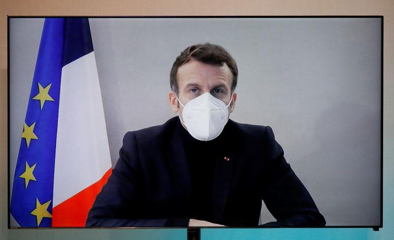 """""""Je vais bien"""", dit Emmanuel Macron au lendemain de son test positif au Covid-19"""