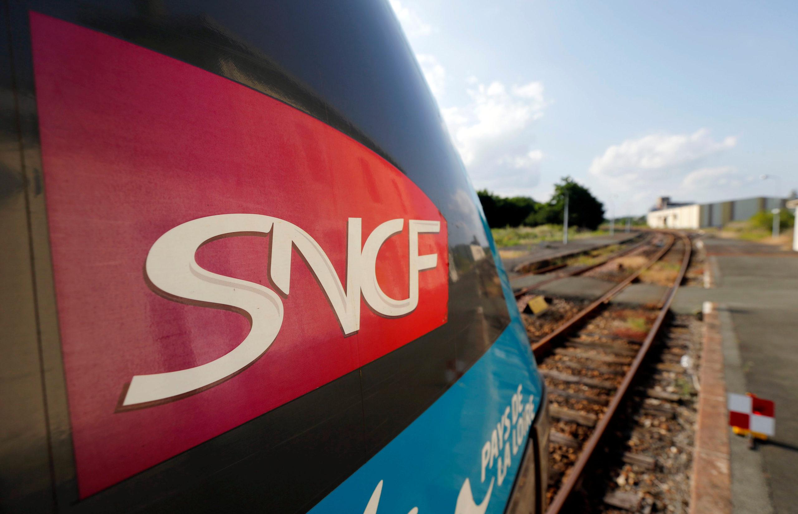 """L'Etat """"sera au côté de la SNCF"""", veut redynamiser les trains de nuit, selon Djebbari"""