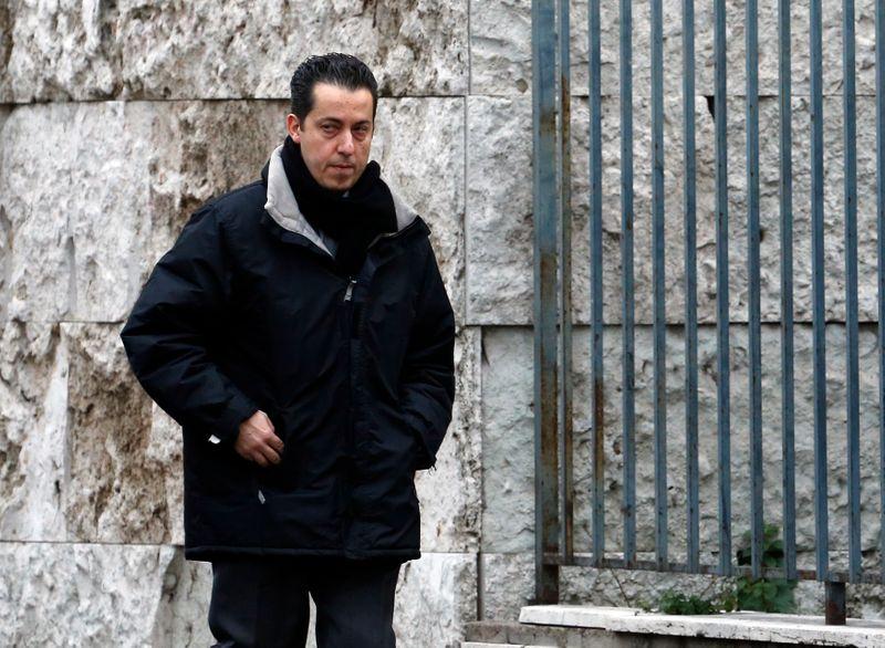 """L'ex-majordome du pape Benoît XVI, condamné dans les """"Vatileaks"""", est mort"""