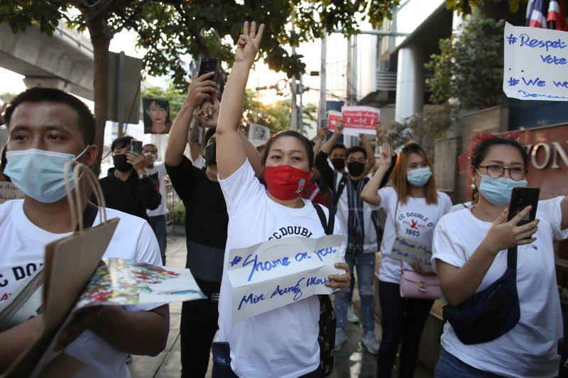 L'UE et Londres demandent une réunion du Conseil des droits de l'homme sur la Birmanie
