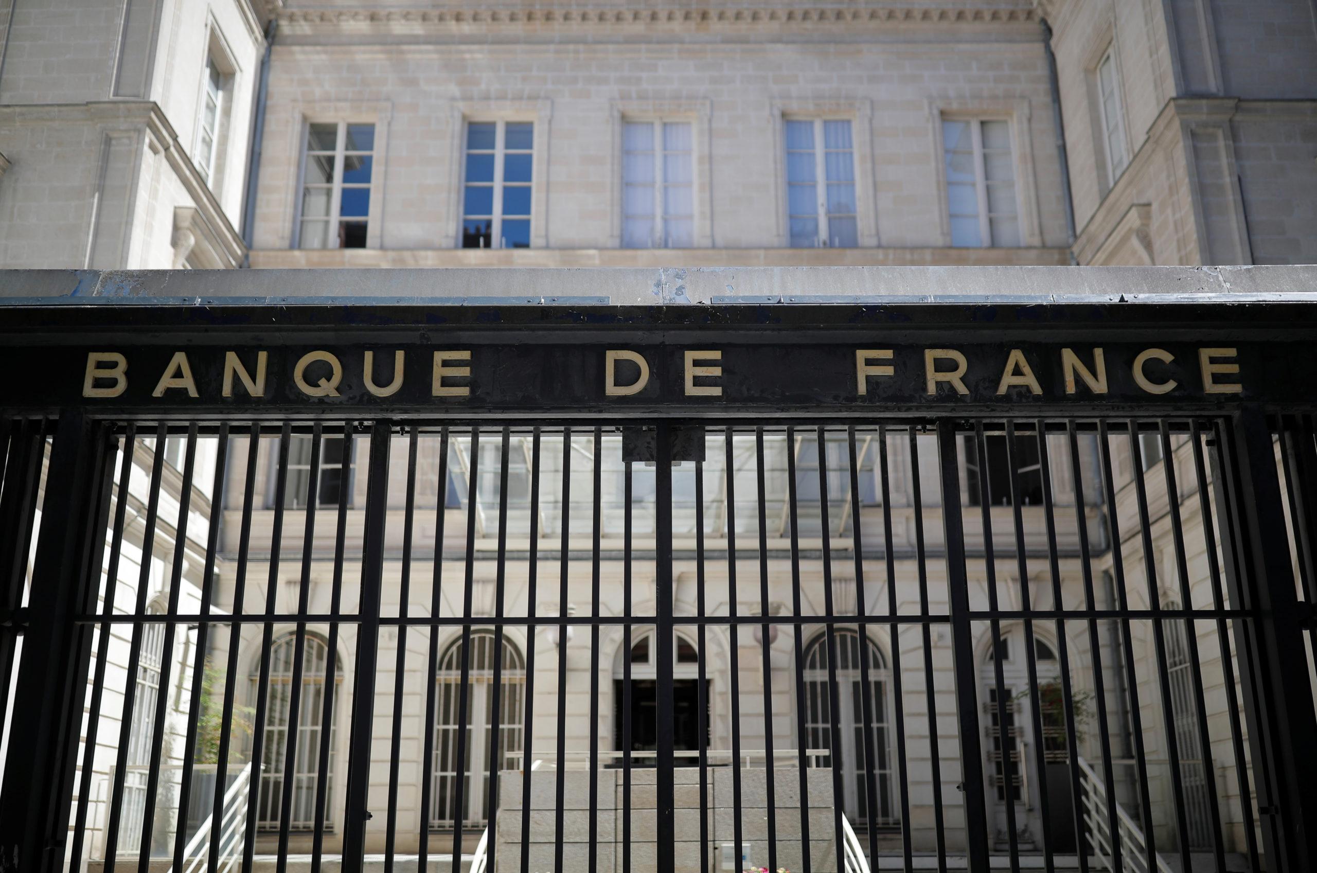 La Banque de France prévoit une contraction moins forte que prévu du PIB en 2020, de -8,7%