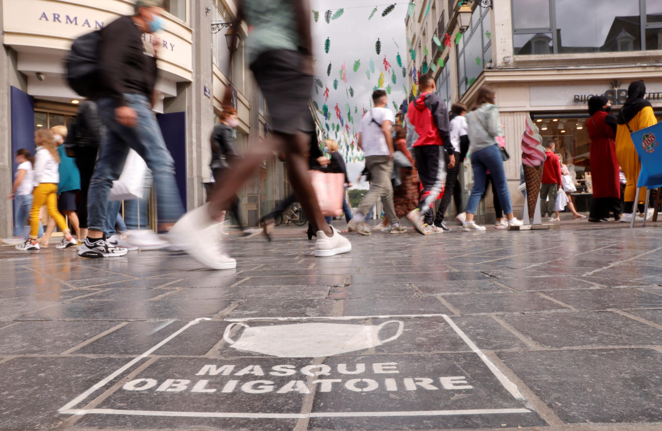 La France enregistre 5.413 nouveaux cas