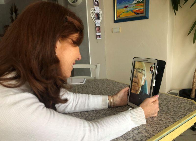 La vaccination à l'heure d'Alzheimer, une famille vent debout contre le sérum