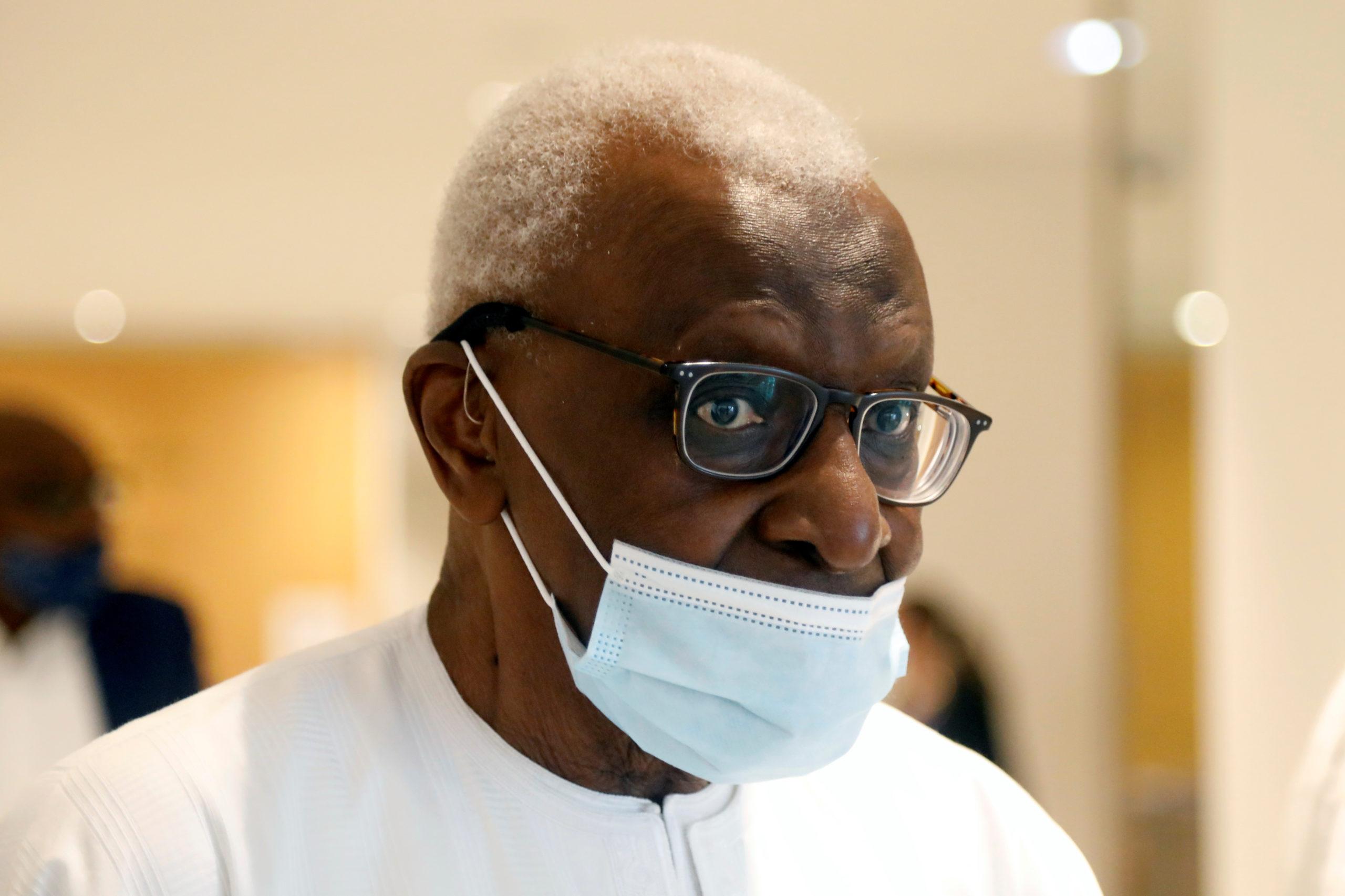 Lamine Diack condamné à deux ans de prison ferme pour corruption