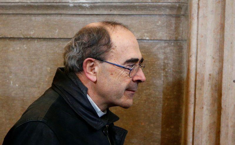 Le cardinal Barbarin fixé sur son sort judiciaire le 30/01