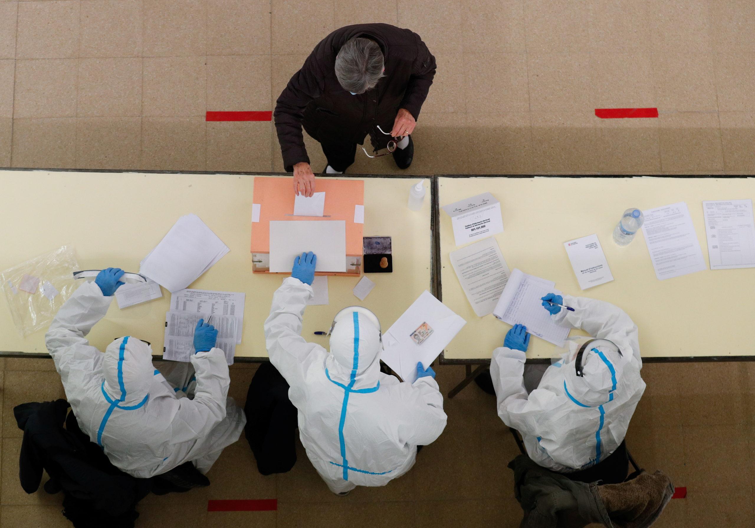 Le gouvernement défend le vote électronique par anticipation, l'opposition vent debout