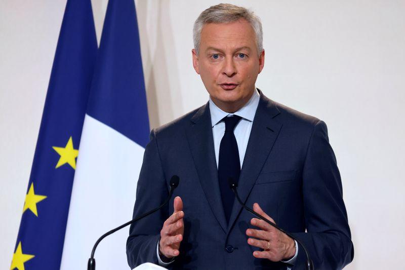 Le Maire dit pouvoir garantir la survie d'Air France, selon Bloomberg TV