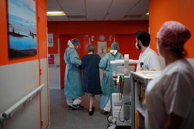 Le nouveau coronavirus a fait 289 morts de plus en France