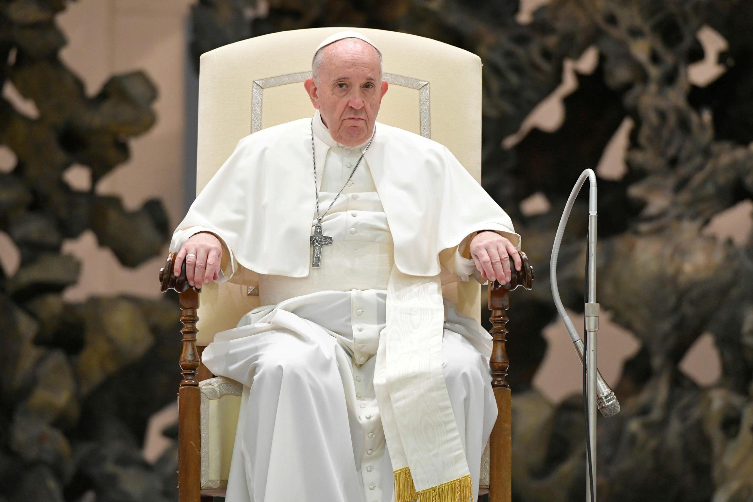 """Le pape condamne l'attaque """"sauvage"""" contre une église à Nice"""