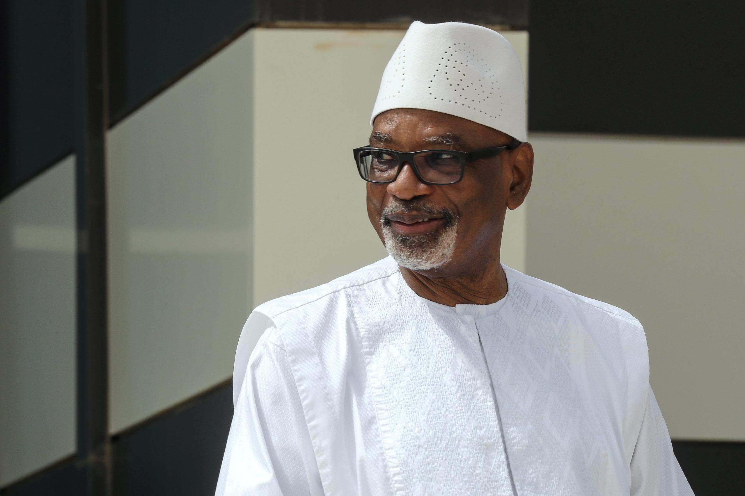 Le président malien et le Premier ministre arrêtés par des mutins