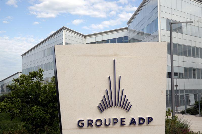 Le référendum ADP recueille plus d'un million de signatures