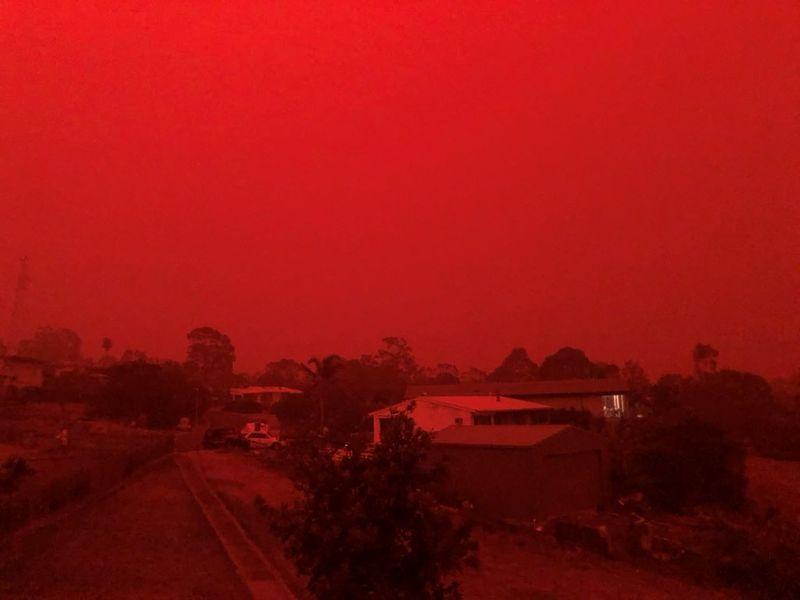 Les feux de brousse ravagent le sud-est de l'Australie, deux victimes de plus