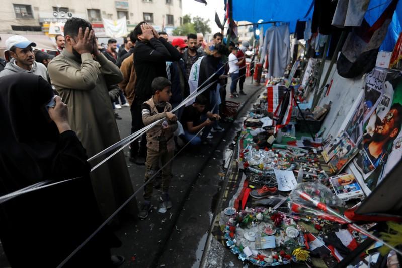Les forces irakiennes tuent 45 manifestants, un consulat iranien incendié