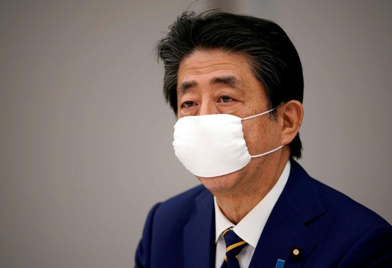 Les Jeux de Tokyo ne pourront avoir lieu si la pandémie n'est pas contenue, selon Abe