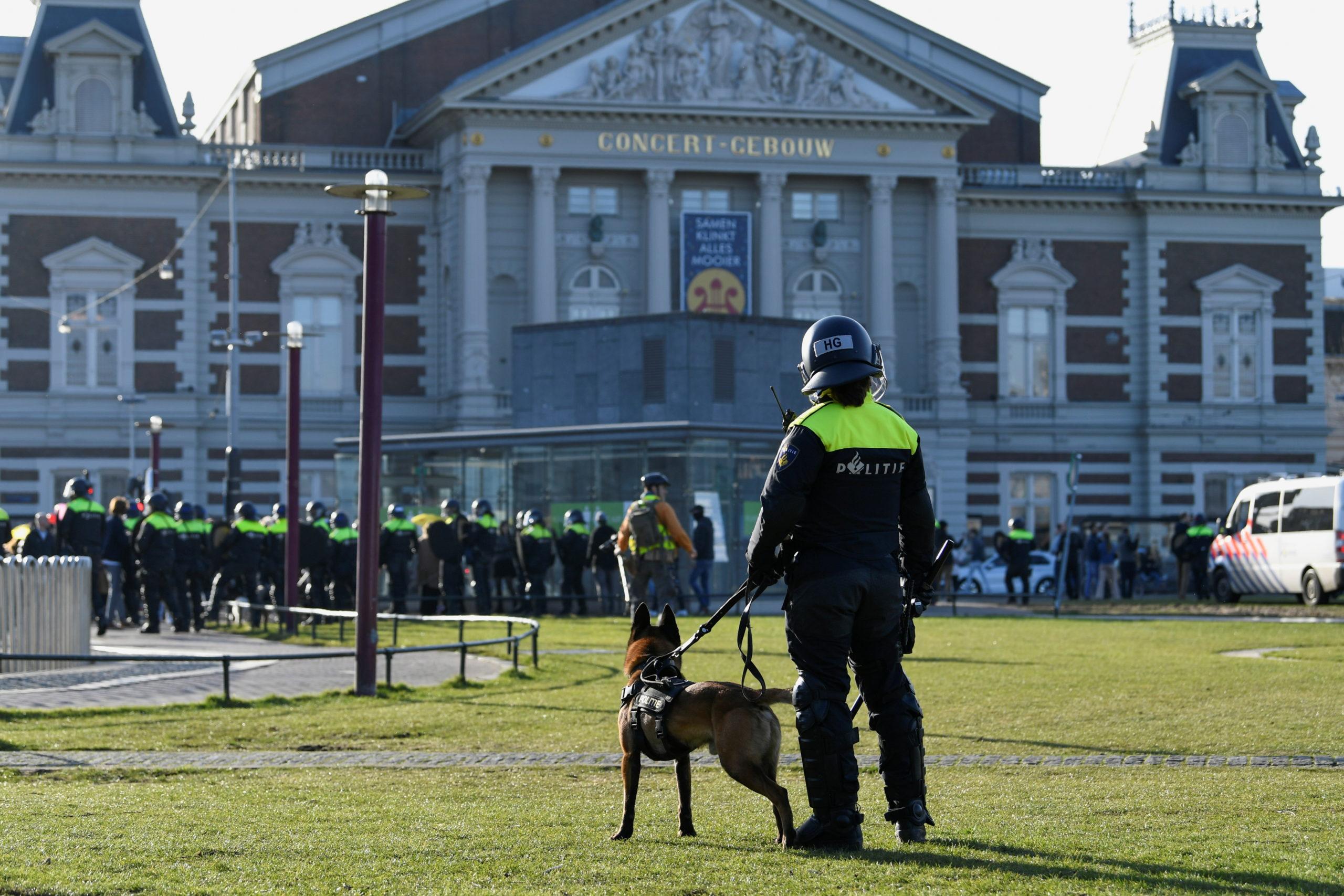 Les Pays-Bas allègent le confinement malgré la hausse des cas