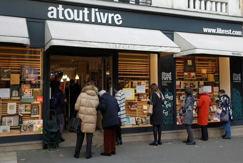 """Macron adapte le confinement pour """"maîtriser l'épidémie dans la durée"""""""